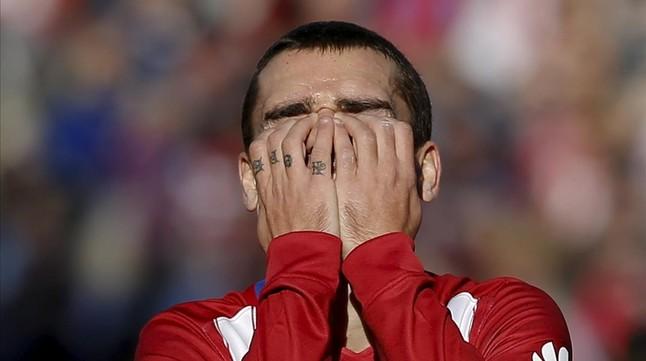 El Atl�tico cede el liderato al Bar�a en v�speras de su visita al Camp Nou
