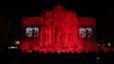 La Fontana de Trevi se ti�e de rojo