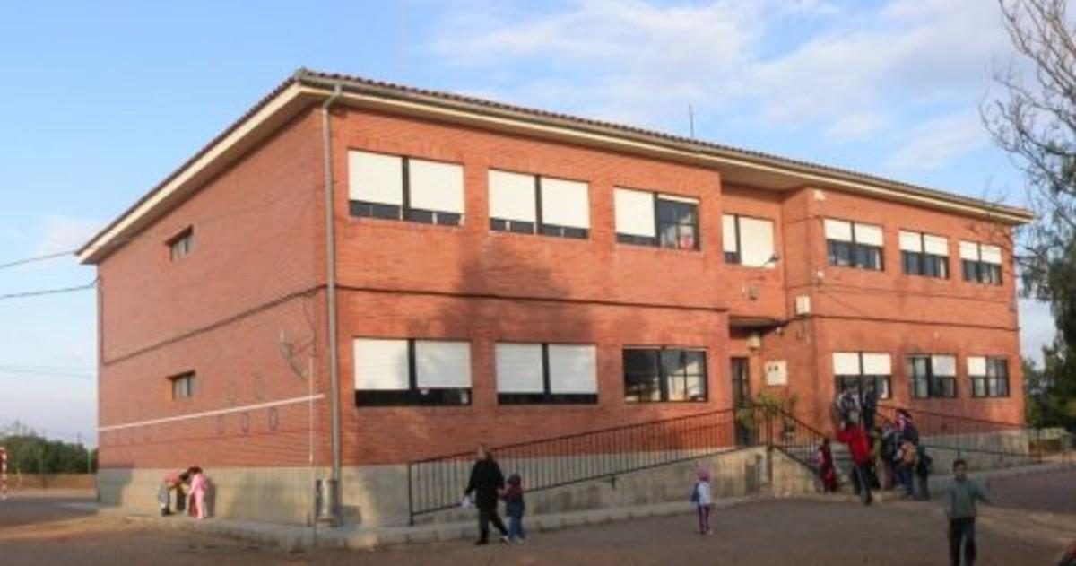 Detenido un profesor de un colegio de murcia por pederastia for Colegio de aparejadores de murcia