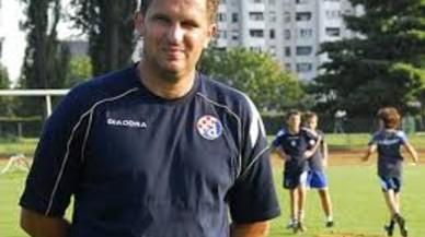 Apaleado el entrenador del Dinamo de Zagreb en la puerta de su casa