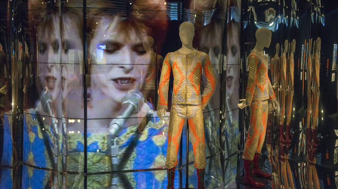 'Bowie is... in Barcelona'