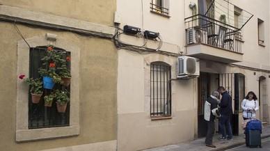 Només Airbnb anuncia encara 4.100 pisos turístics il·legals a Barcelona