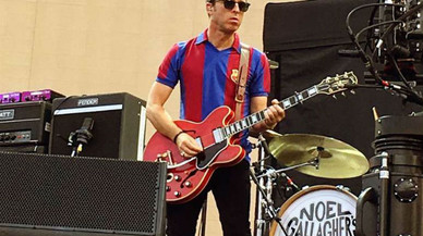 Noel Gallagher canvia la 'skyblue' del Manchester City per la samarreta del Barça
