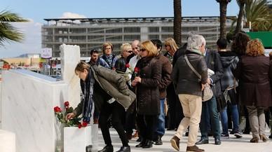 Minuto de silencio en el aeropuerto de Barcelona por las víctimas de Germanwings