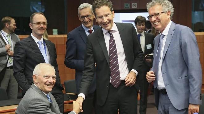 L'Eurogrup ultima el nou baló d'oxigen per a Grècia