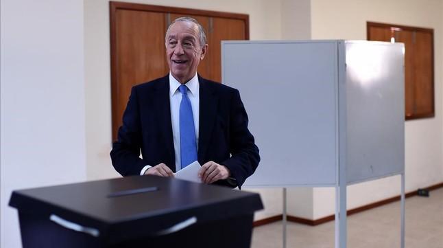 Portugal encumbra a la presidencia al tertuliano 'Profesor Marcelo'
