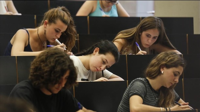 Universitats no té intenció d'anul·lar l'examen d'Economia de la selectivitat