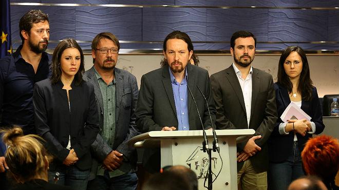Podemos busca aliados para una moción de censura contra Rajoy