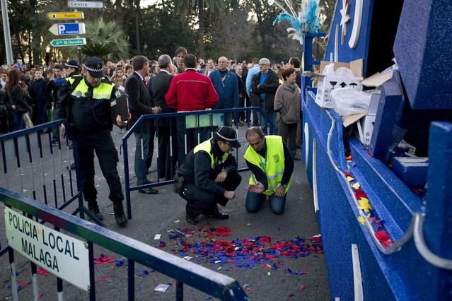 Fallece un niño atropellado por una carroza de la cabalgata de Reyes en Málaga