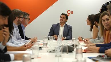 """Rivera llama """"imprudente"""" a Rajoy por no actuar antes de la DUI"""
