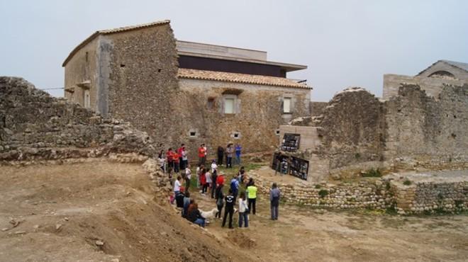 Detingut per espoliar un jaciment arqueològic a l'Alt Empordà