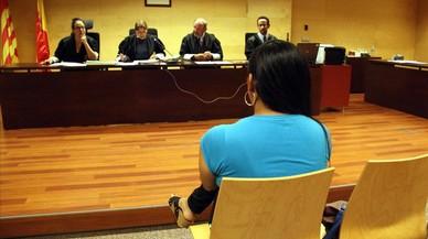 El pederasta detingut a Salt aprofitava la seva aparença de dona per abusar de nois