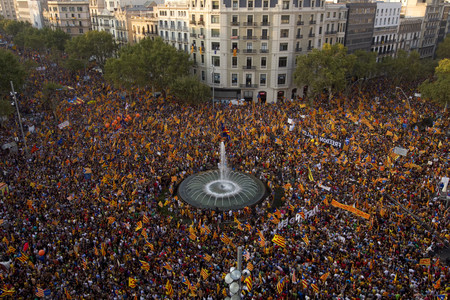 Los asistentes a la manifestacin de la Diada llenaron el centro de Barcelona.