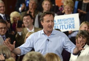 El líder conservador y primer ministro británico, David Cameron, participa en un acto de campaña en Saint Ives, Reino Unido.