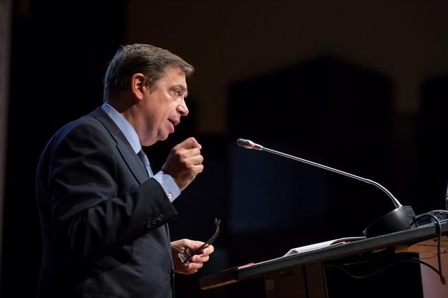 fiscal pide archivar causa contra planas extracción agua