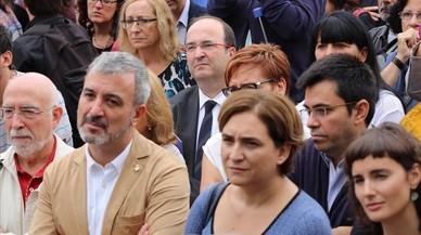 'Comuns' y PSC piden acabar con la política de bloques