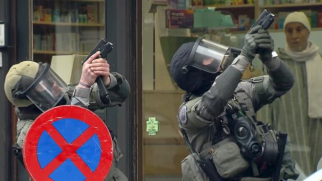 Salah Abdeslam, el fugit dels atemptats de París, va aconseguir escapar-se de la batuda de dimarts a Brussel·les