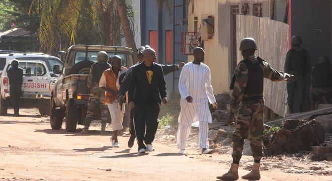 Storify | Atac terrorista a un hotel de Bamako amb ostatges