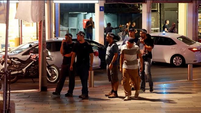 Quatre morts i sis ferits en un atac contra un centre comercial de Tel Aviv
