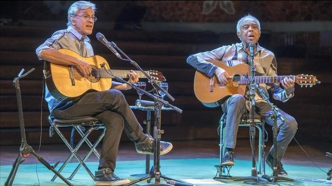 Caetano Veloso i Gilberto Gil, abraçada de titans
