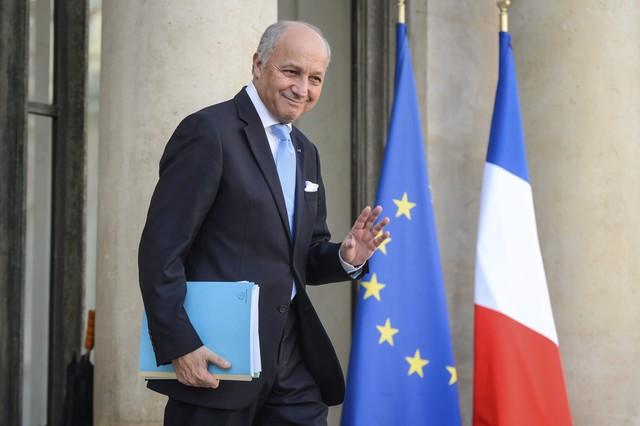 Fabius deja el Ministerio de Exteriores francés para presidir el Consejo Constitucional