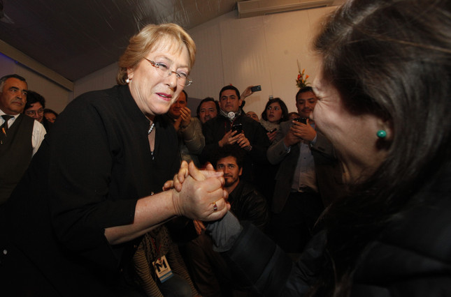 Michelle Bachelet arrolla en las primarias y ser� la candidata del centroizquierda en Chile
