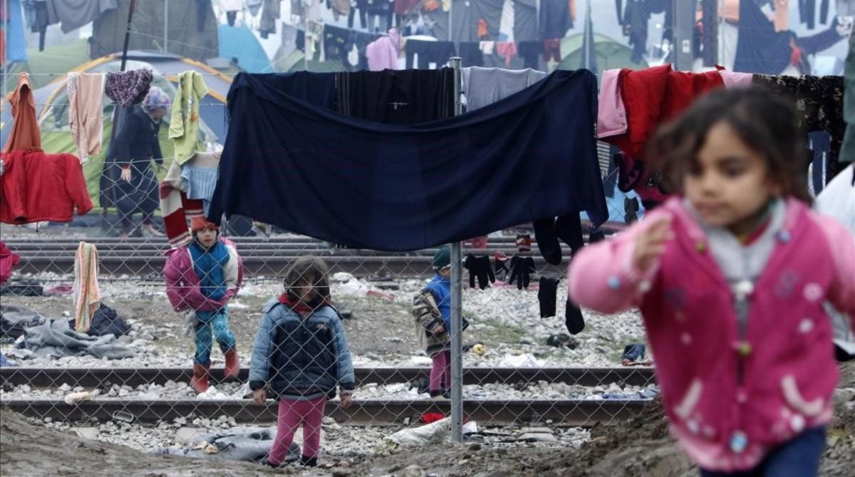 La UE ajusta el plan con Turquía pero mantiene las expulsiones de refugiados