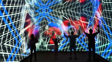 Visitantes en el 'PlayGround' de Olympus durante la inauguración en BCN
