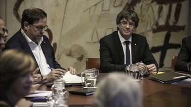 Encuesta: ¿Qué debería hacer Puigdemont?