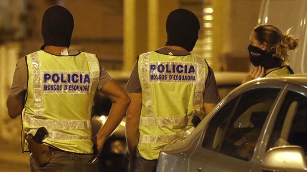 Guàrdies civils i policies critiquen que la Generalitat desconegués la relació de l'imam de Ripoll amb un gihadista detingut el 2007