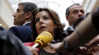 """Santamaría pide a Puigdemont que abandone la """"realidad secesionista paralela"""""""