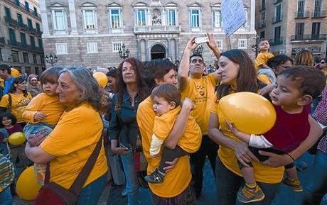 Movilizaci�n a favor de la educaci�n infantil en Barcelona.