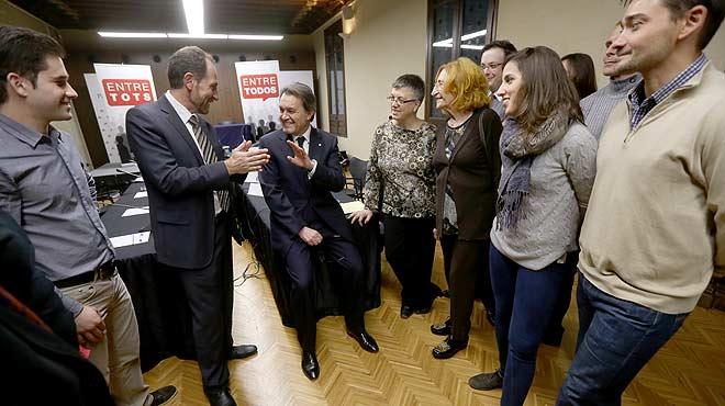 Els 10 lectors d'EL PERIÓDICO que van participar en la trobada amb Artur Mas valoren l'experiència de conversar amb el president de la Generalitat.