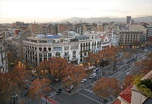 La manzana 8La isla de la discordia, en pleno paseo de Gràcia de Barcelona.