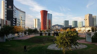 Vista de plaza europa, de l'Hospitalet, con el hotel Porta Fira en el centro de la imagen.