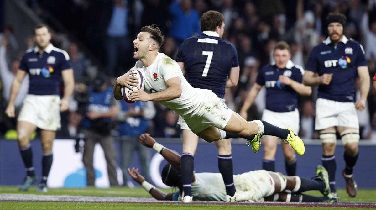 Inglaterra arrolla a Escocia y revalida el título
