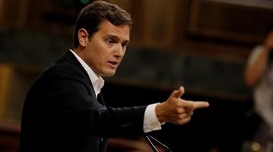 Rivera anuncia ante Rajoy que el lunes presentará su ley para limitar los mandatos políticos