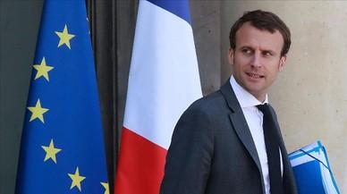 Dimiteix el ministre d'Economia francès, Emmanuel Macron