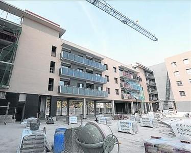 Las gr as vuelven a barcelona ante la demanda de pisos nuevos for Banc sabadell pisos