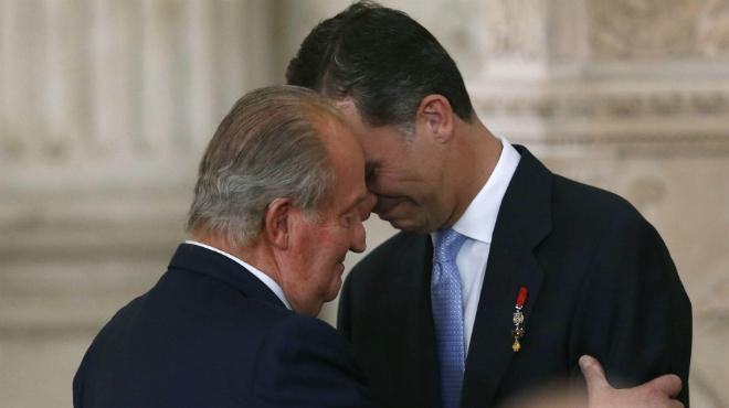 El rei Joan Carles sanciona la llei d'abdicació