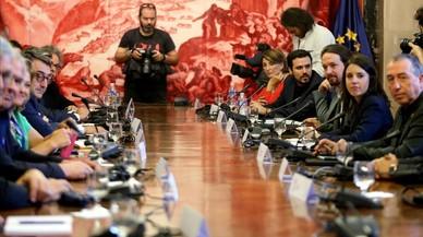 Rajoy demana retirar la DUI davant l'oferta de mediació d'Iglesias