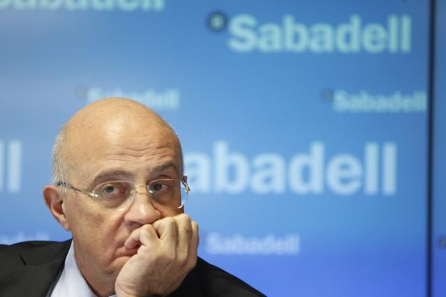 La cam cerrar 300 oficinas tras la compra del sabadell for Oficinas sabadell cam en valencia
