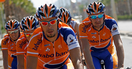 Ciclistas del equipo Rabobank.