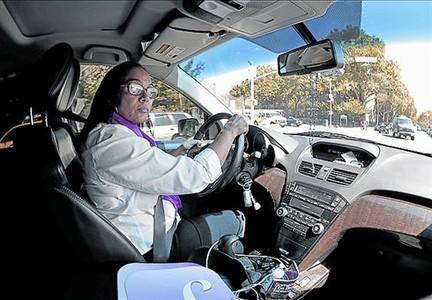 Conductora 8Una de las mujeres taxistas solo para mujeres.