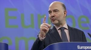 El eurocomisario de Economía y Asuntos Financieros, Pierre Moscovici, en la rueda de prensa de ayer.