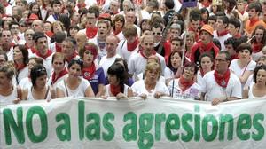 Protesta en Pamplona tras la violación colectiva a una joven durante los sanfermines de la que se acusa a los miembros de La manada.