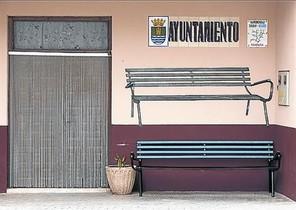 La mayoría de vecinos de la población del Alto Mijares se muestran orgullosos de las manifestaciones de arte urbano que decoran las paredes de sus casas desde hace unos años.