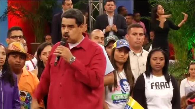 """Maduro amenaza con utilizar """"las armas"""" para liberar a la """"patria"""" venezolana"""