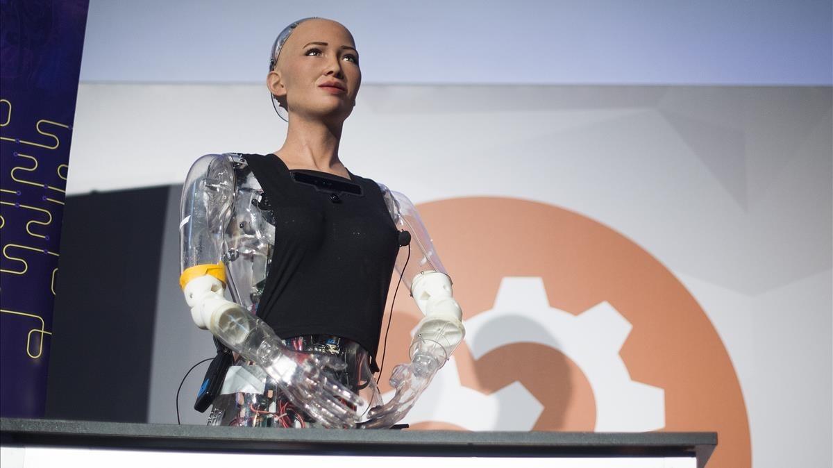 La robot Sophia en el congreso IoT en Fira Barcelona