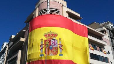 Set detinguts per apallissar uns joves en una discoteca on es posava l'himne d'Espanya